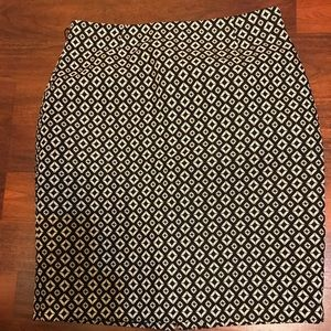 Black and white lined skirt